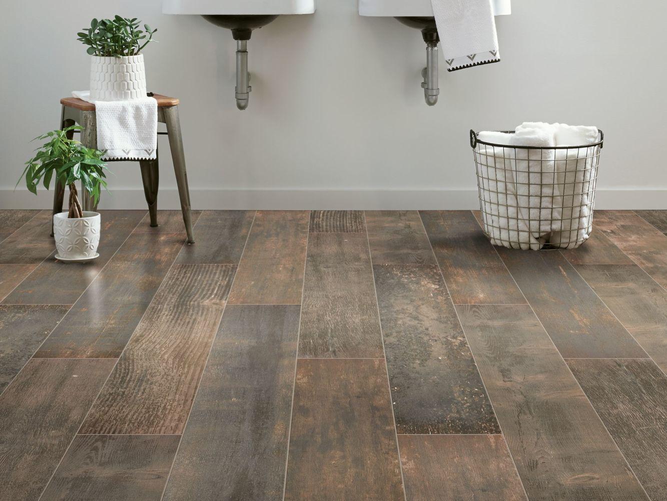 Shaw Floors Charwood 2.5×16 Burned 00719_TG29D