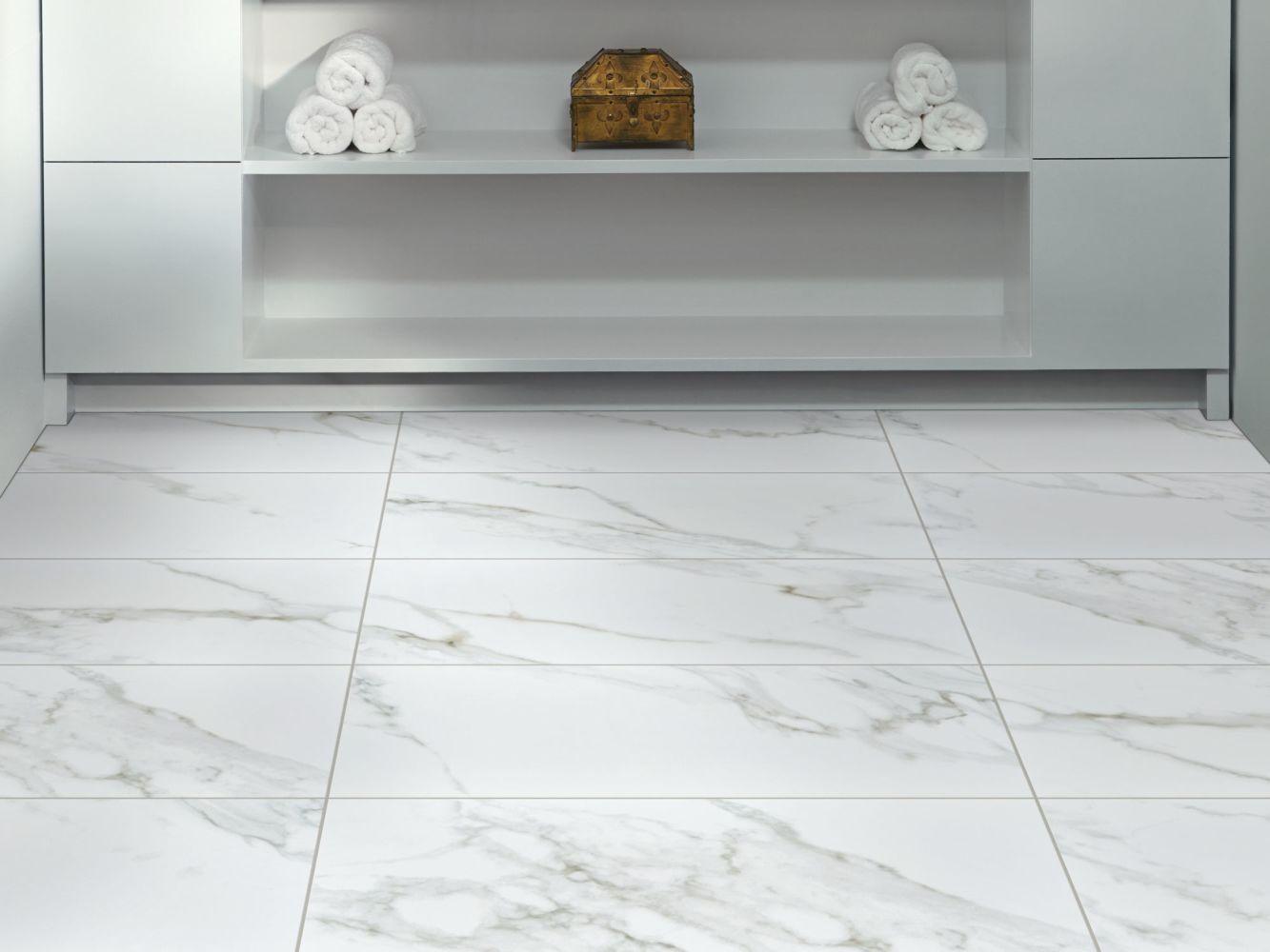 Shaw Floors Home Fn Gold Ceramic Infinity 13×13 Calacatta 00120_TG98D