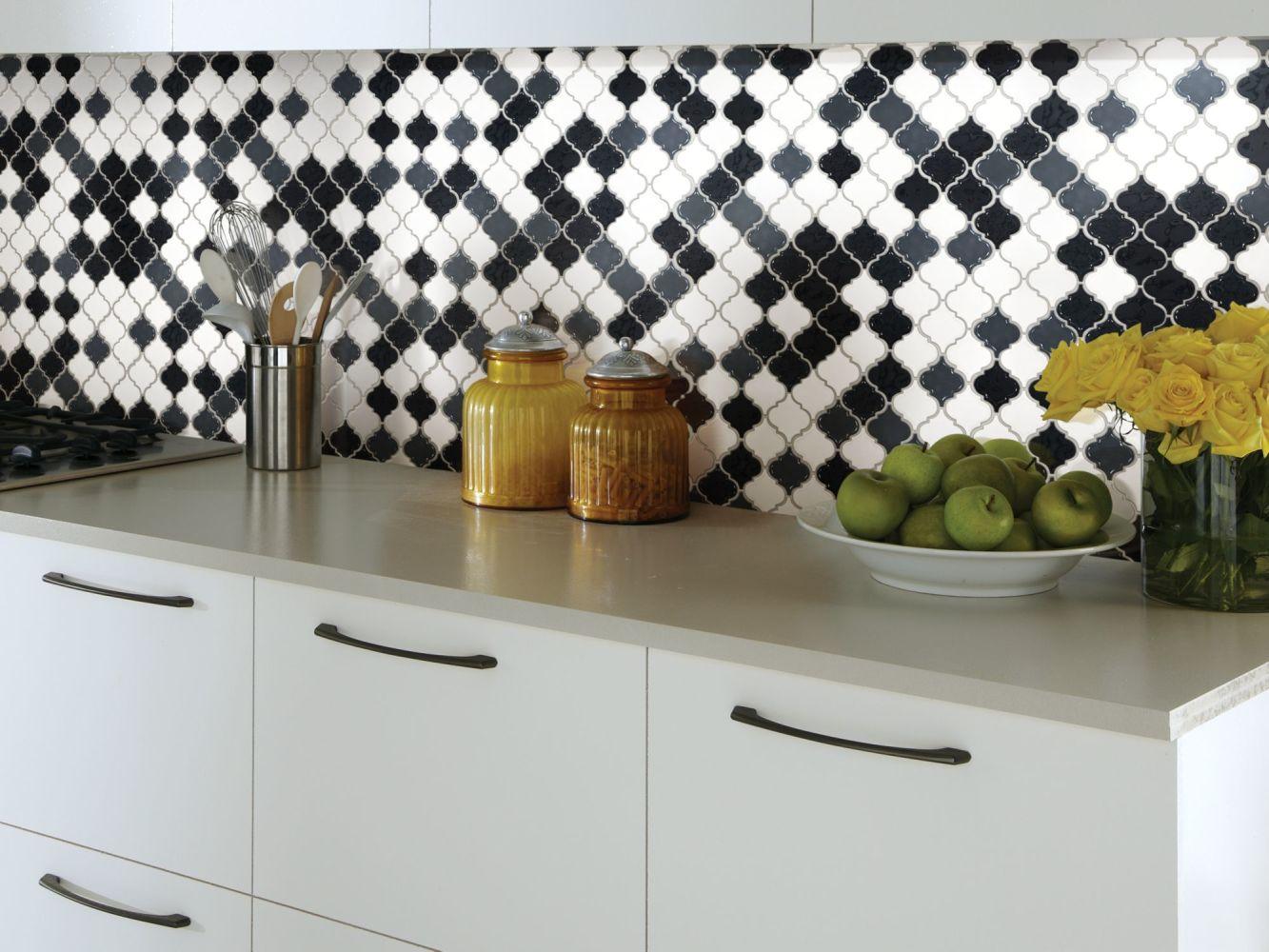 Shaw Floors Home Fn Gold Ceramic Geoscapes Lantern Black/White 00151_TGJ77