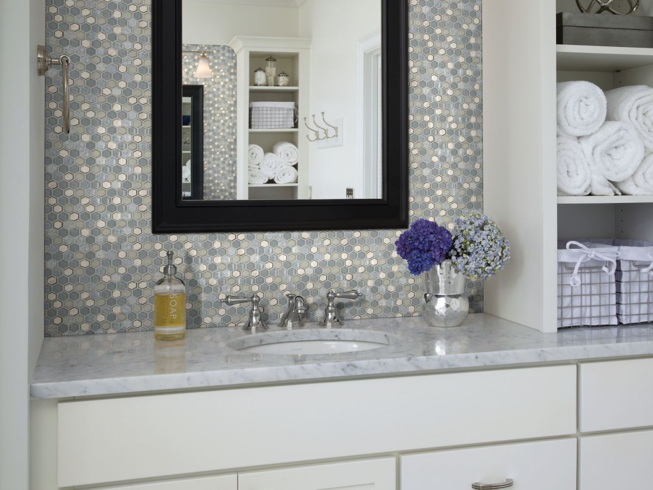 Shaw Floors Home Fn Gold Ceramic Molten Hexagon Glass Pewter 00505_TGJ82