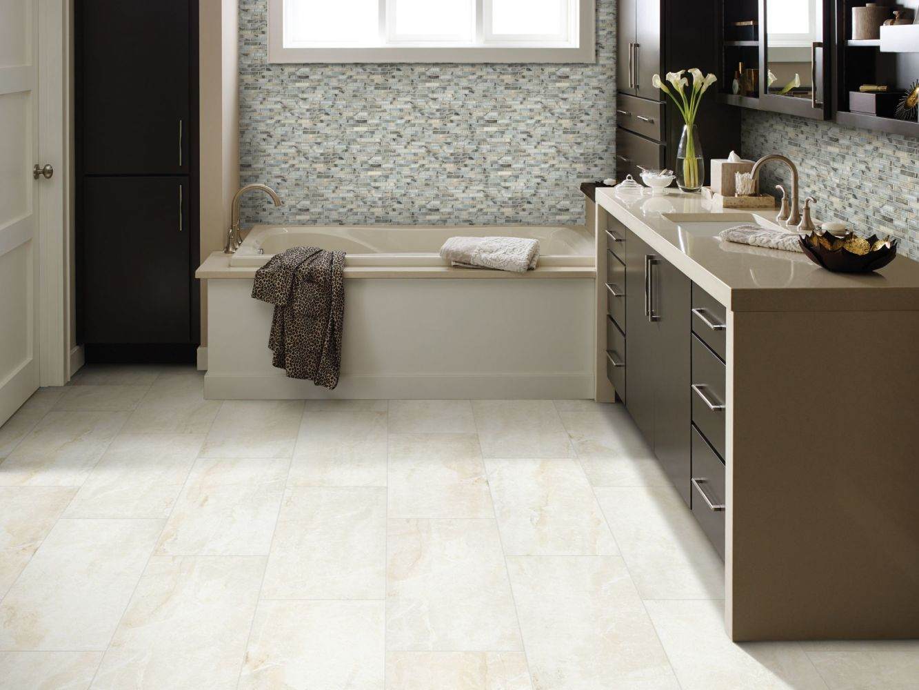 Shaw Floors Home Fn Gold Ceramic Apex 18×18 Ivory 00100_TGN68