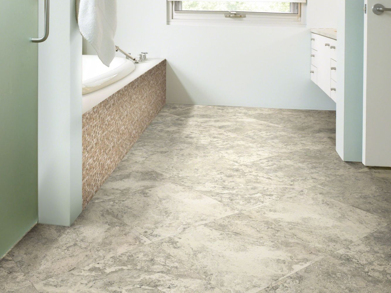 Shaw Floors Resilient Property Solutions Expo Tile 6mil Sydney 00541_VE128