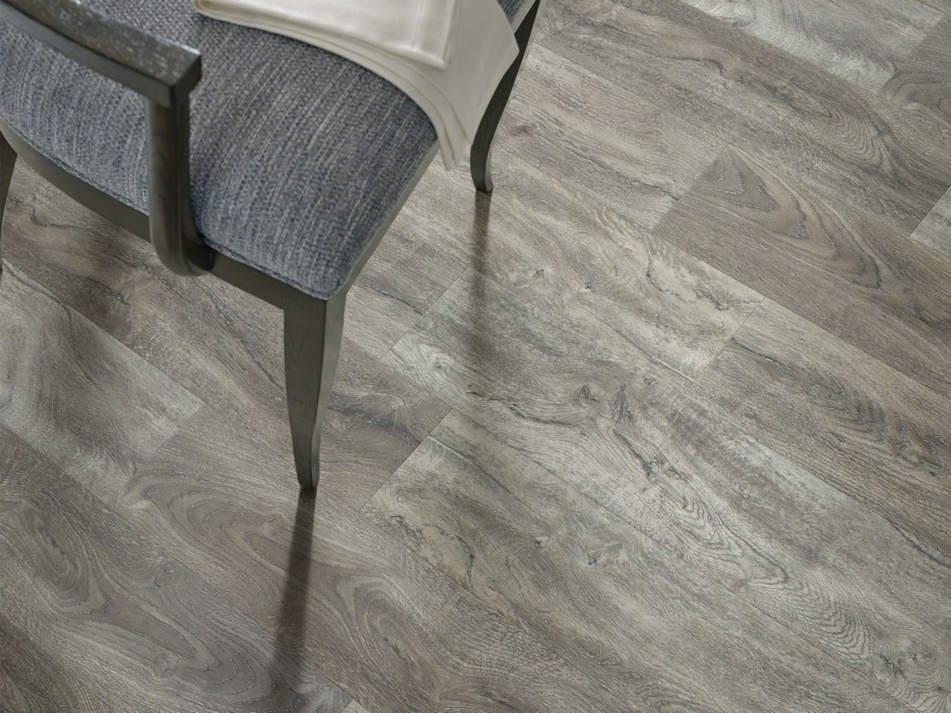 Shaw Floors Resilient Property Solutions Supino HD Plus Giardino 05049_VE231