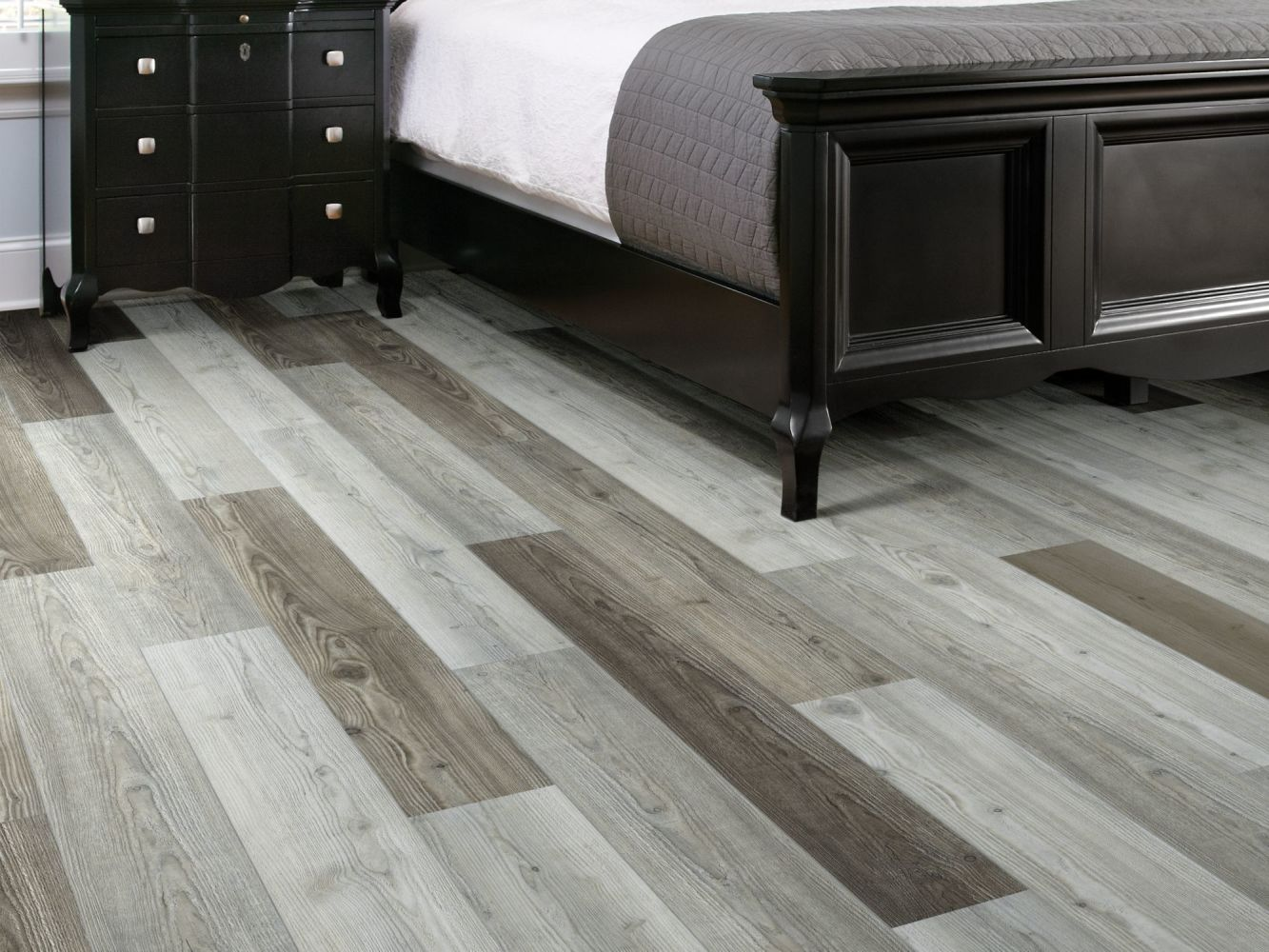 Shaw Floors Vinyl Residential Stature Plus Greyed Pine 05040_VE371