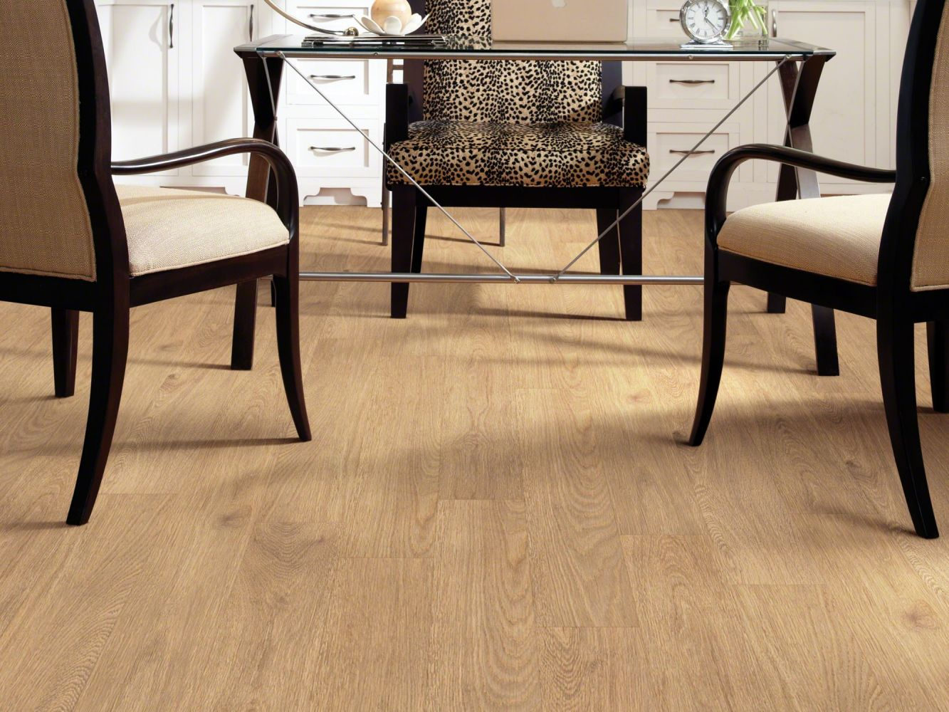 Shaw Floors Resilient Property Solutions Modernality 6 Plank City Center 00247_VPS41
