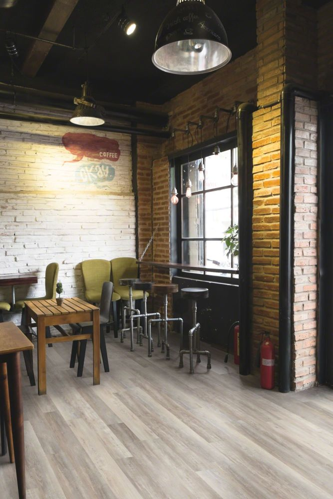 Resilient Residential COREtec Pro Plus XL 7″ Warsaw Pine 01652_VV490